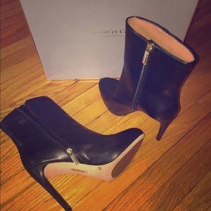 Louise et Cie black leather booties Sz 9